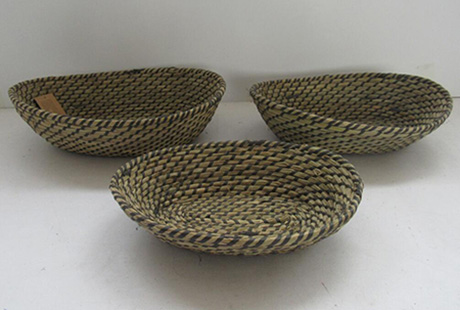 storage basket,fruit basket,bread basket,gift basket